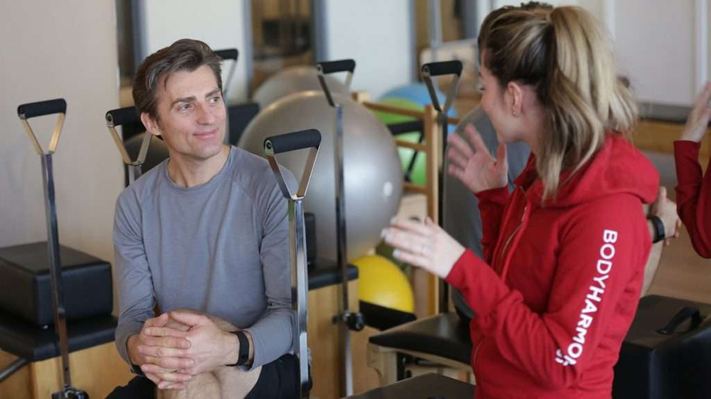 conversation-in-pilates-private-room-st